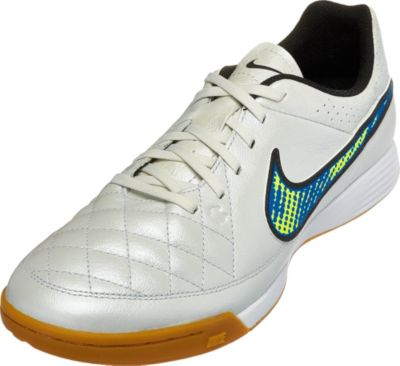 indoor soccer shoes for boys The Nike ...