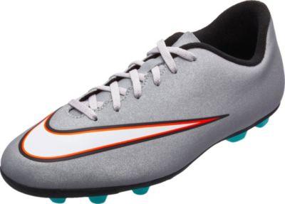 kids nike soccer shoes